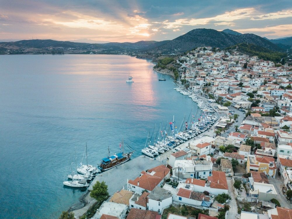 Travel and party in Greece The Yacht Week CREDIT Elliot_Simpson_ Highlights_ 00-237_picmonkeyed
